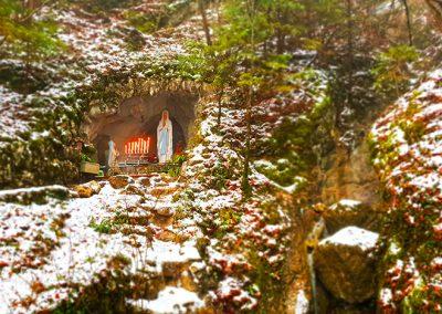 Kultürchen 19: Lichterweg der Lourdes-Grotte in Laupersdorf